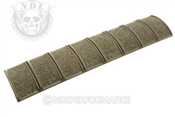 Magpul FDE Textured for AR-15 XT Rail Pannel MAG012